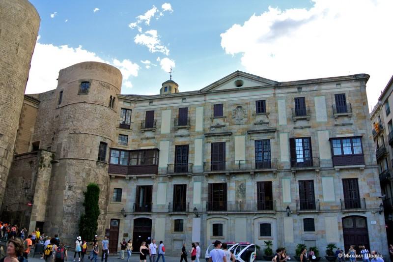 Ворота старого города Барсино на Новой площади