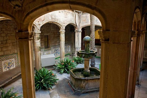 Дом архидьякона (Casa de l'Ardiaca)