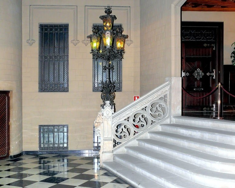 Внутренний интерьер Casa Pascual i Pons
