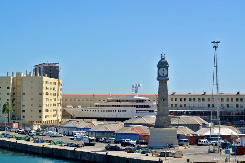 Часовая башня в Port Vell