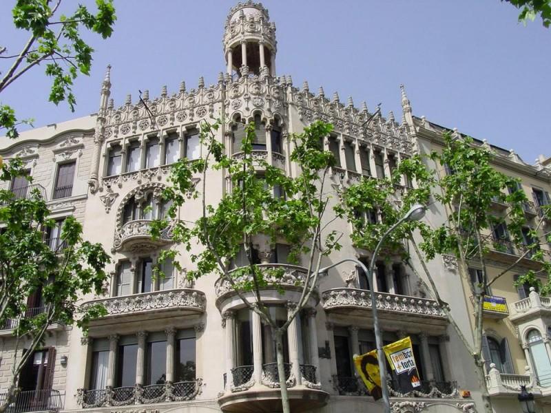 Дом Льео Морера (Casa Lleó Morera)