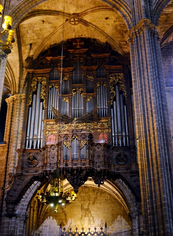 Орган Барселонского собора