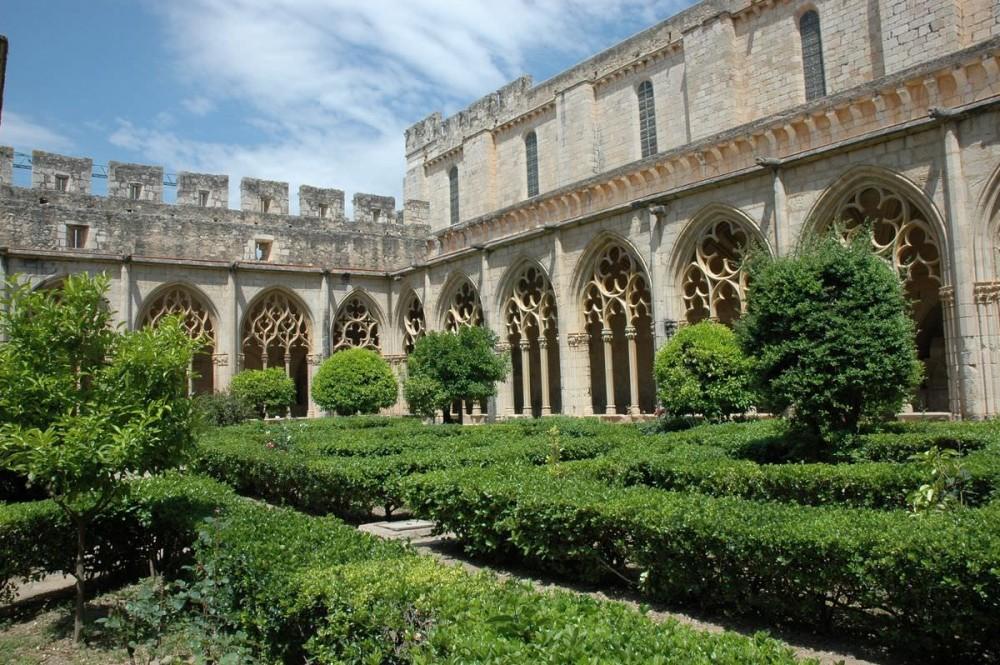 Монастырь Сантес-Креус (кат. Reial Monestir de Santa Maria de Santes Creus)