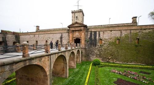 Монтжуйкский замок (Кастель-де-Монтжуйк) (Castell de Montjuic)