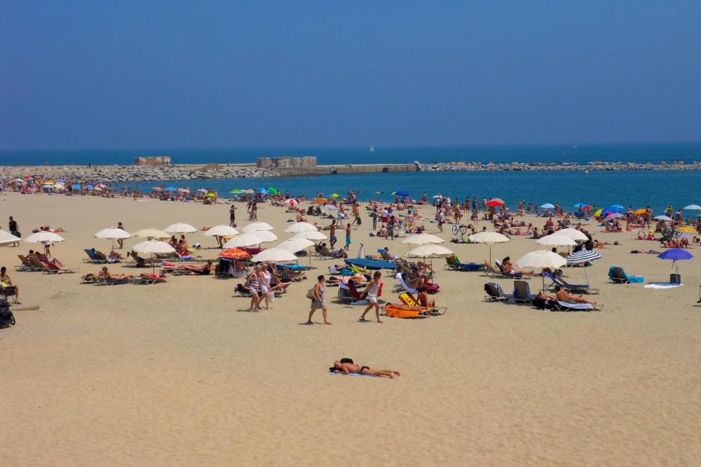 Пляж Bogatell (фото: villelite)