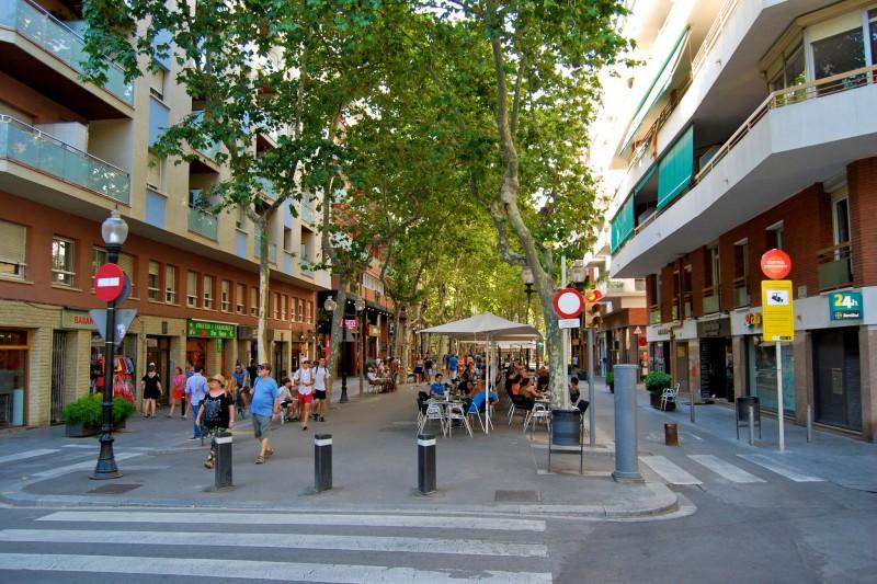 Улица Rambla del Poblenou