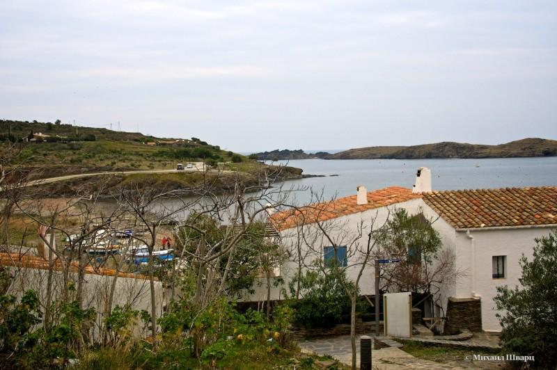 От сюда хороший вид на бухту Port Lligat