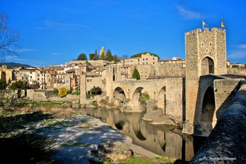 Старый мост в Бесалу