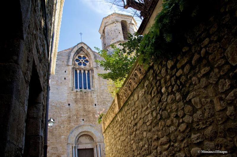 Церковь Сан-Висенте-де-Бесалу (Església st. Vicenç)