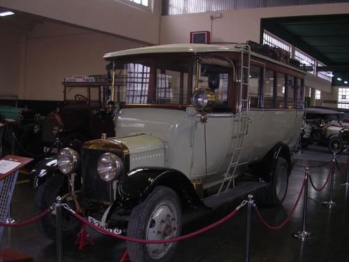 """Автомобильный музей """"Рода Рода"""" (Museu de l'Automoció Roda Roda)"""