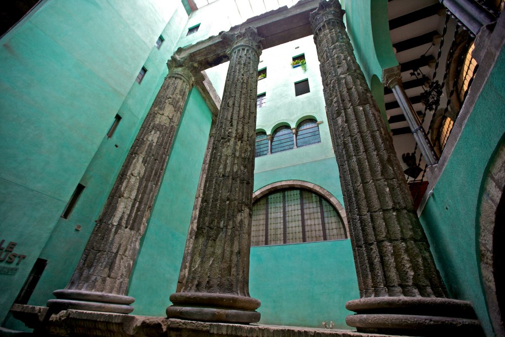 Античные колонны, MUHBA Temple d'August (фото: Francisco Aragão)