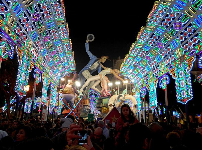 Праздник Фальяс в Валенсии