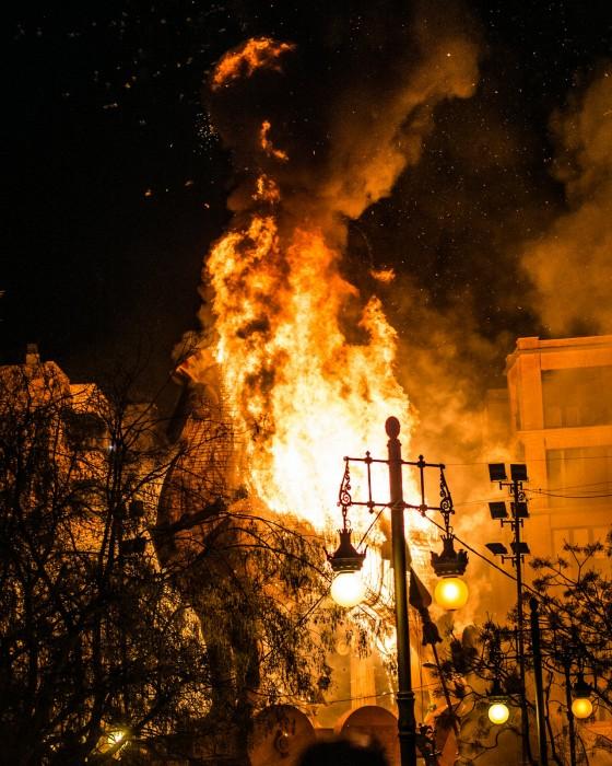 Сожжение кукол «Ninots»