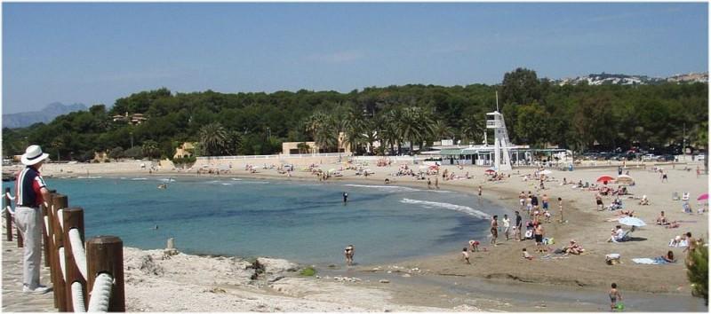 Уютный пляжик Ла-Амполья  ( L'Ampolla)
