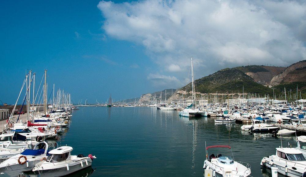 Яхты в Кастельдефельс (Castelldefels)