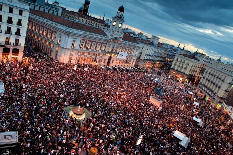 Протестующие на Пуэрта-дель-Соль, май 2011