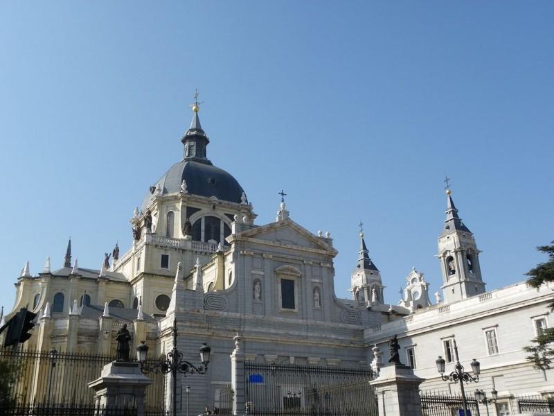Собор Альмудена (Catedral de la Almudena)