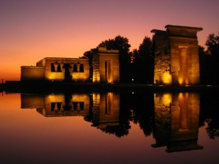 Египетский храм Дебод