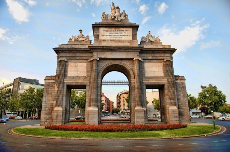 Ворота Толедо (Пуэрта де Толедо - исп. Puerta de Toledo)