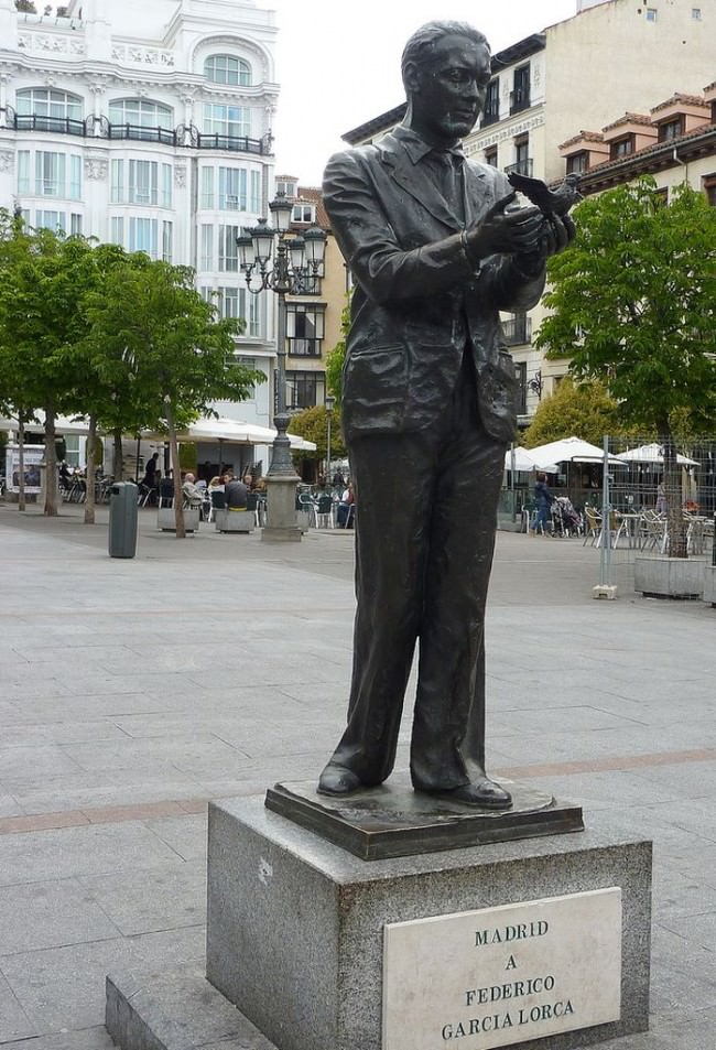 Памятник поэту-республиканцу Федерико Гарсиа Лорке (Federico García Lorca)