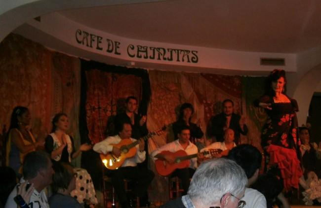 «Café de Chinitas» - известно своей великолепной сценой.