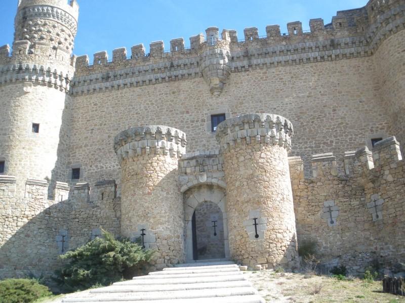 Замок Мансанарес-эль-Реал (Castillo de Manzanares el Real)