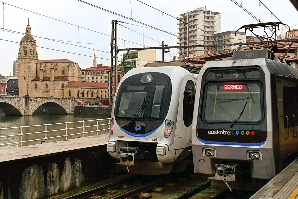Поезда Euskotren (фото: Miguel Angel)