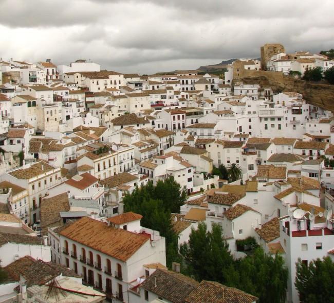 Сетениль-де-лас-Бодегас (Setenil de las Bodegas)