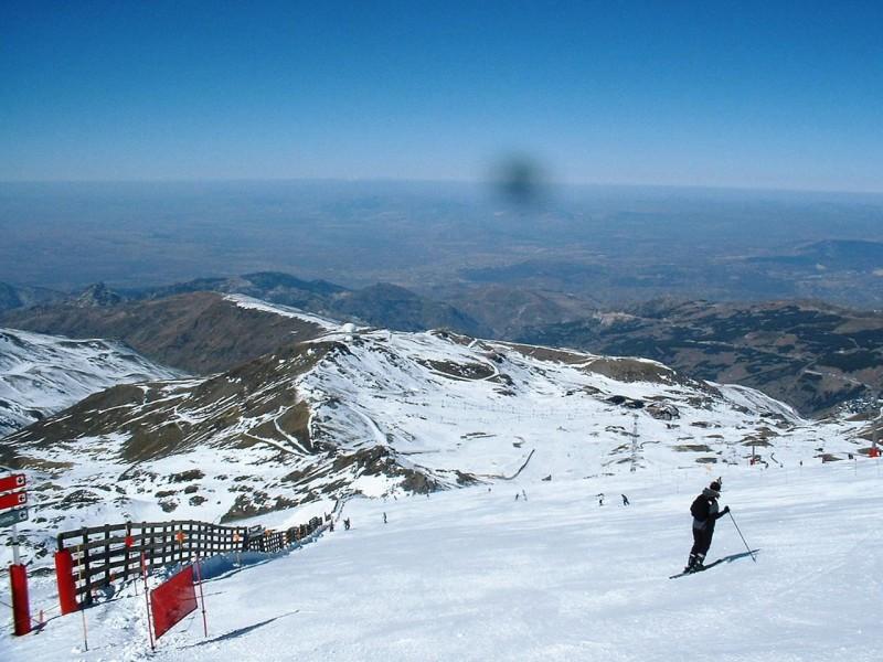 Снежный склон Сьерра-Невада