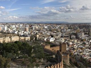 Альмерия — «зеркало моря». Старинный город с особенными традициями