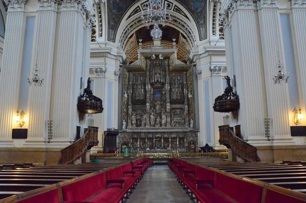 Алтарь Базилики дель Пилар