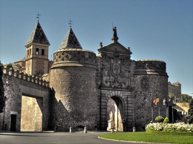 Новые ворота Бисагра (Puerta Nueva de Bisagra)