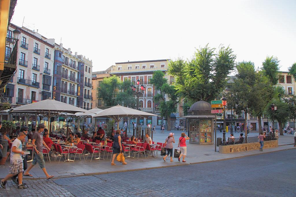 Уютные ресторанчики на площади