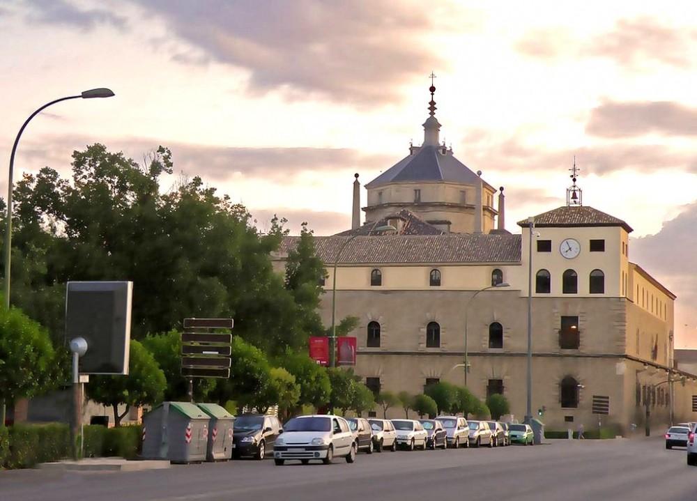 Госпиталь Тавера (Hospital de Tavera)