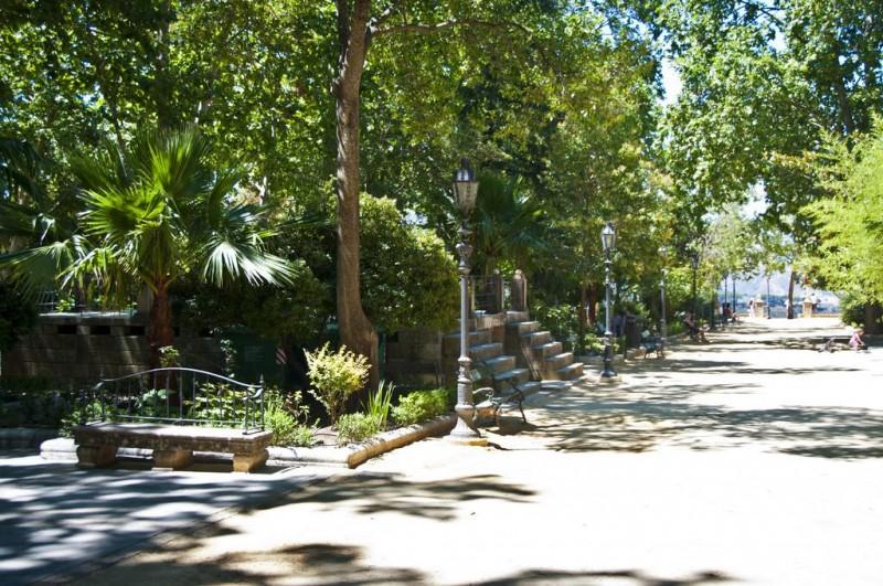 Парк Тополиная аллея (Alameda del Tajo)