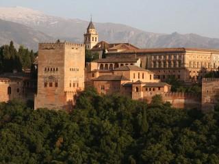 Красный замок Альгамбра