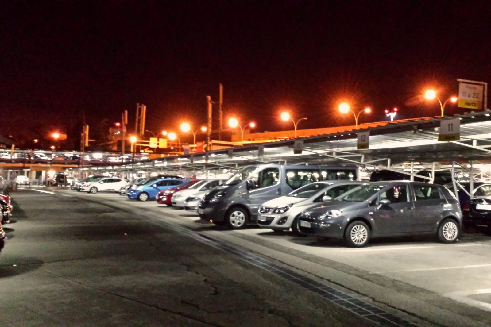 Парковка Hertz в аэропорту Мадрида (фото: BARREIRO&REY)