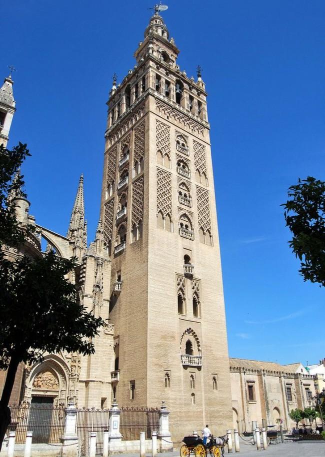 Башня  Хиральда (Giralda)