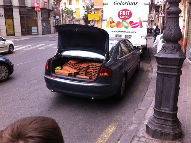 Ильф и Петров были правы! Автомобиль таки не роскошь. Особенно «Ауди А8»
