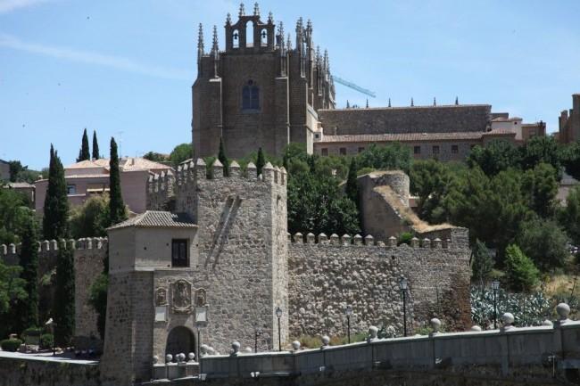 Королевский монастырь Святого Иоанна (Monasterio de San Juan de los Reyes)