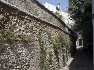 Крепостные стены Гранады