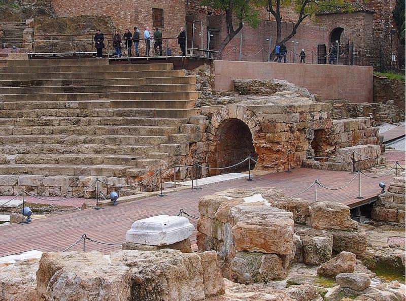 Туннели к главной сцене