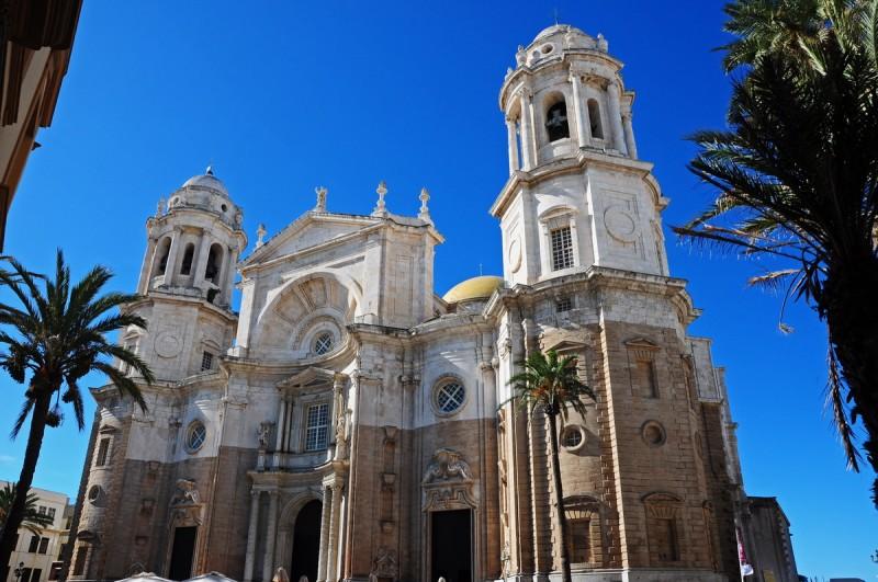 Главный фасад Кафедрального собора в Кадисе