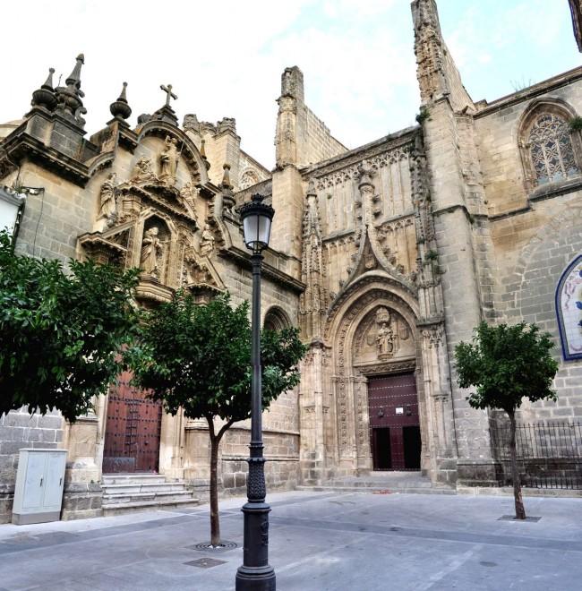 Церковь святого архангела Михаила (Iglesia de San Miguel)