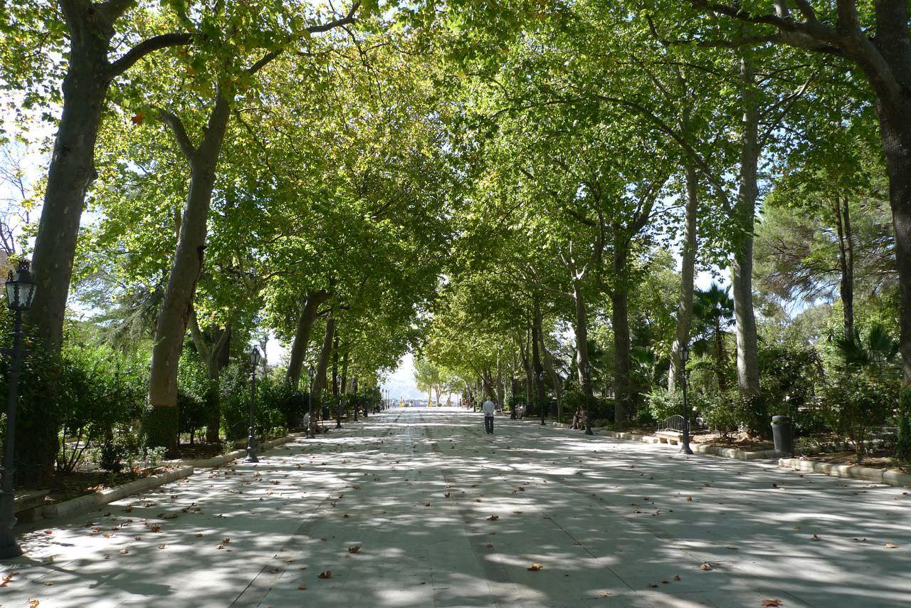 Аламеда дель Тахо – городской парк, ботанический сад и культурный центр Ронды
