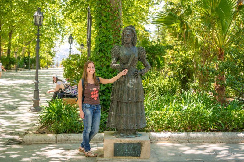 Estatua de la Goyesca