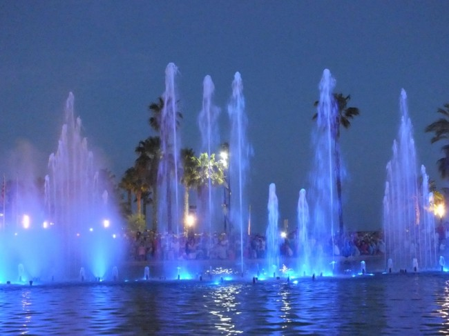 Шоу фонтанов в Салоу