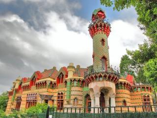 Эль Каприччо – летний особняк «Каприз» в городке Комильяс