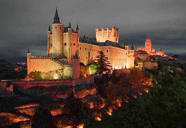 Алькасар в Сеговии (Alcázar de Segovia)
