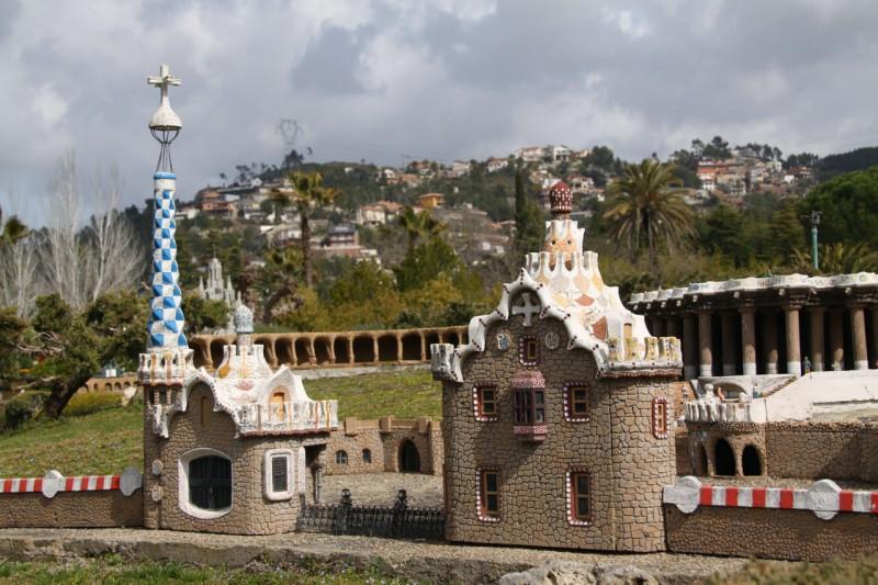 Парк Гуэль с «пряничными» домиками (Parque Güell)
